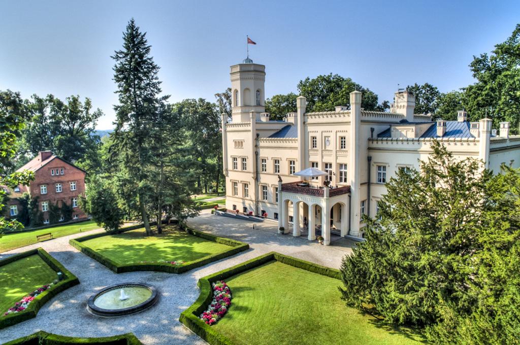pałac mierzęcin - baza szkoleniowo-noclegowa